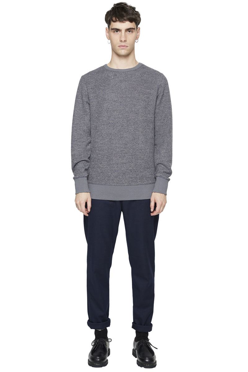 - Polyester sweater - Crew neck - Finish of wrists and