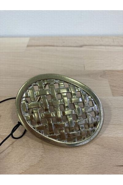 Boucle ovale tréssée<p> Matière : métal<p> Couleur : or