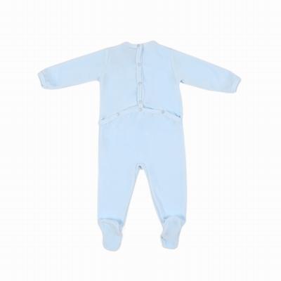 Pyjamas en velours ras. Encolure et bas de manches bordés