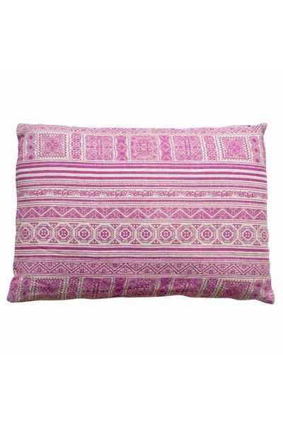 Coussin en Batik fabriqué de façon artisanale en Inde.