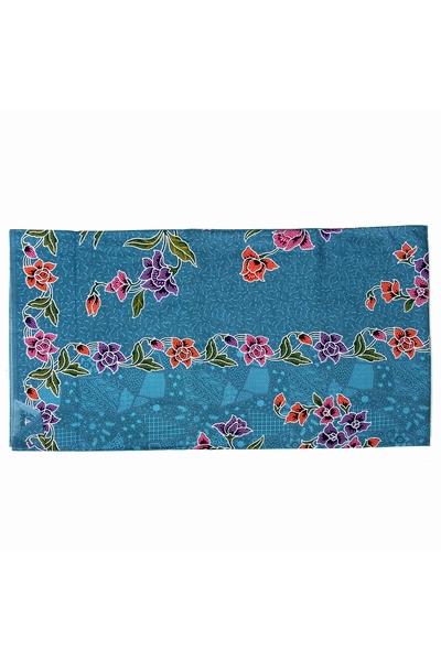Paréo en coton épais imprimé aux motifs batik traditionnels.