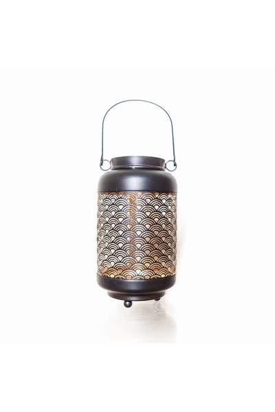 Lanterne de jardin en métal ciselé. Motif japonisant.