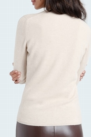 100% Cashmere crew neck sweater. Single ply, slightly fitted