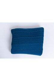 100% Cashmere knitted cable blanket. One size only (TU). 260
