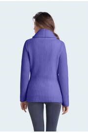 97% Cashmere 3% Lurex shawl collar cardigan. 8-Ply woman