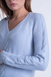 2-Ply, 100% Cashmere wide cable on front and sleeves V-neck.