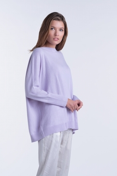 Long woman cashmere boat neck. Single ply, trapeze shape