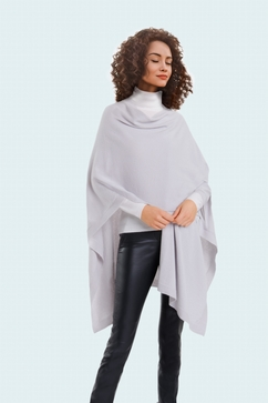 Woman seamless cashmere cape. One size only (TU). Entirely