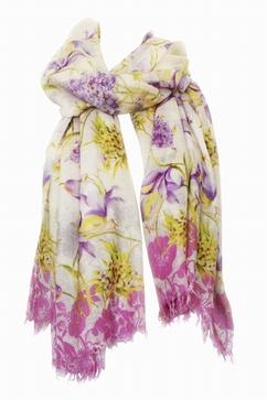 Extrafine printed stole in 80% Cashmere 20% Silk. Multicolor