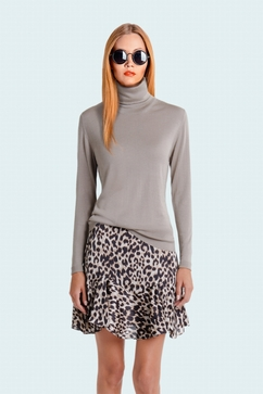 Solid and superfine 80% Cashmere 20% Silk turtle neck