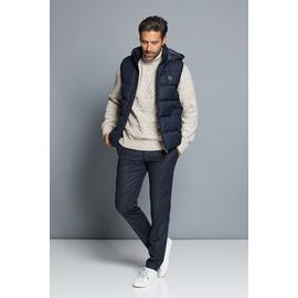 Pull by spontini Col relouté  Composition : 34% polyamide,