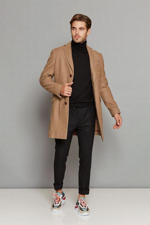 Manteau by Spontini - Il est semi-doublé, avec 2 poches