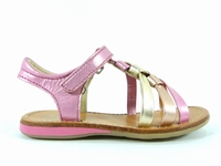 Description du modèle chaussure enfant fille Noel strass. La