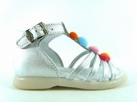 la paire de chaussure fille doudou pour les enfants