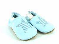 la paire de chaussures etoile de valentine présentée ici