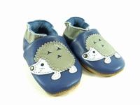 la paire de chaussures herisson de valentine présentée ici