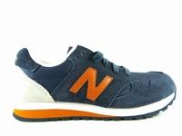la paire de chaussures kl520 de new balance présentée ici