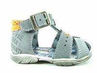 la paire de chaussures sphinx de catimini présentée ici peut