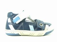 la paire de chaussures steppe de babybotte présentée ici