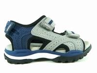 la paire de chaussures borealis de geox présentée ici peut