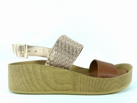 la paire de chaussure fille enamorada pour les enfants