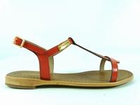 la paire de chaussures hamat de les tropeziennes présentée
