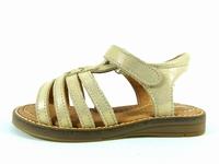 ces chaussures karousel de babybotte constituent un