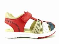 la paire de chaussures platinium de kickers que vous avez