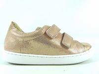 la paire de chaussures play de shoopom présentée ici peut
