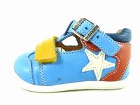 la paire de chaussure garcon pluton pour les enfants