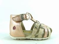 la paire de chaussures riviera de gbb présentée ici peut