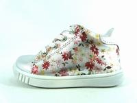 la paire de chaussure fille romy pour les enfants modernes,