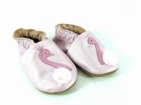 la paire de chaussures cygne de valentine présentée ici peut