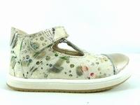 la paire de chaussure fille defi pour les enfants modernes,