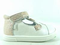 la paire de chaussure fille emila pour les enfants modernes,