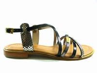 la paire de chaussures harry de les tropeziennes présentée