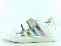 la paire de chaussures opale de bellamy présentée ici peut