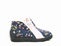 Le modèle chaussure fille BELLAMY MIMI de forme chausson est